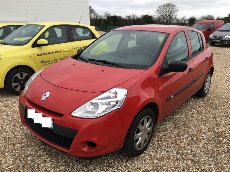 Occasion renault clio 3 dci 75ch authentique garage for Garage renault bergerac occasions